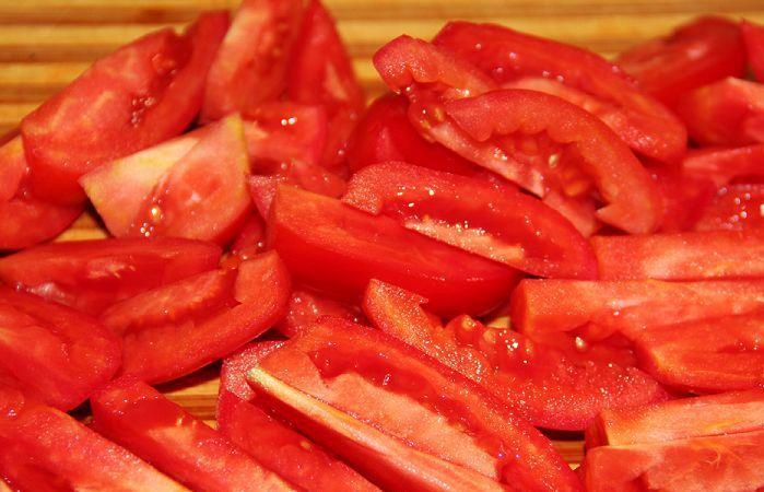 салат с говяжьим языком и помидорами