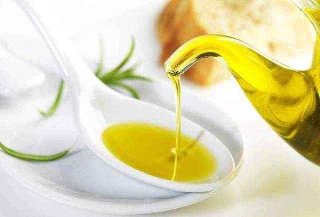 Сафлоровое масло: полезные свойства и противопоказания