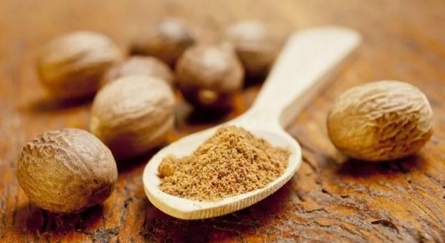 Как употреблять мускатный орех