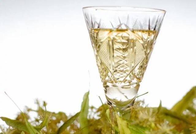Настойка цветов липы на алкоголе