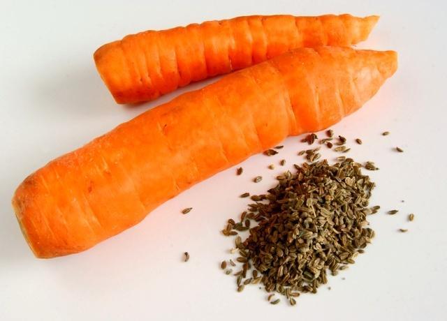 как сажать морковь семенами
