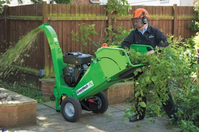 Садовый измельчитель травы и веток
