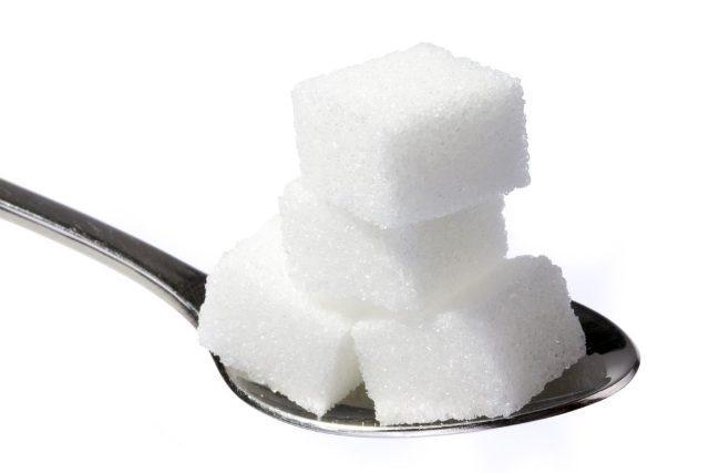 Чем заменить сахар при похудении: какой сахарозаменитель лучше, можно ли пить чай с заменителем на диете без вреда для здоровья?