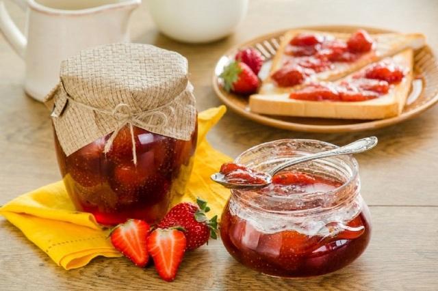 Варенье из клубники на зиму густое с целыми ягодами без варки