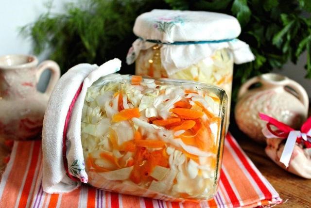 капуста на зиму в банке: очень вкусные рецепты в рассоле