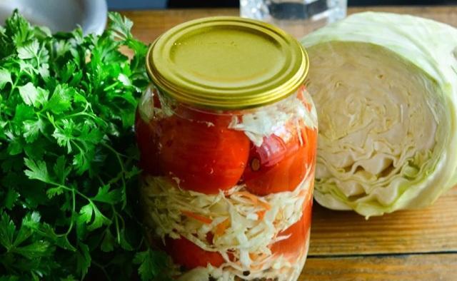 капуста на зиму в банке: очень вкусные рецепты с помидорами
