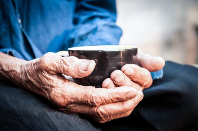 Польза и вред натурального для здоровья пожилого человека