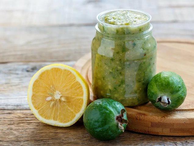 Фейхоа с лимоном и сахаром: рецепт на зиму