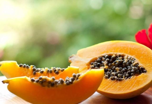 фрукт папайя: полезные свойства и вред для организма