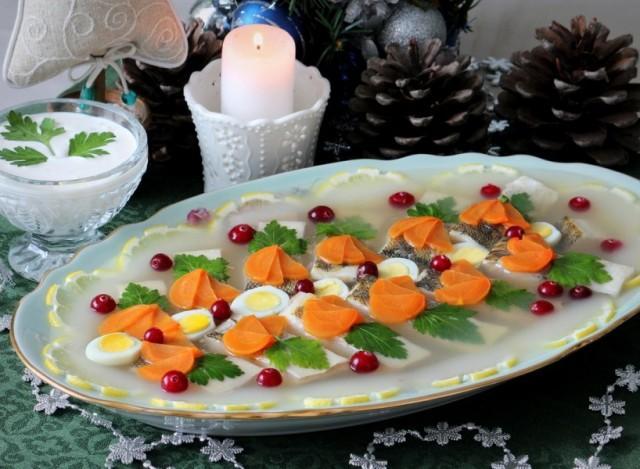 Заливное из судака с желатином: советы от шеф-повара
