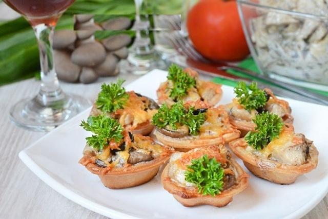 Начинка с мясом для тарталетки на праздничный стол