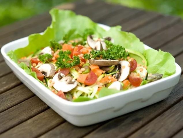 Постный салат с грибами на новый год.