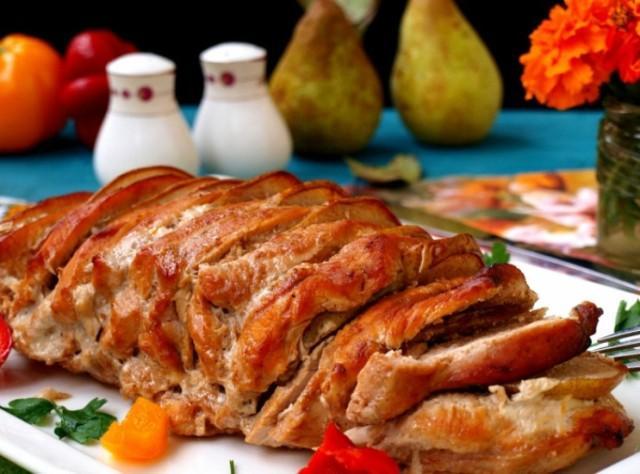 Как вкусно приготовить грудку индейки в духовке