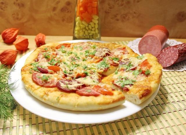 Пицца с колбасой и сыром в домашних условиях: рецепты в духовке.