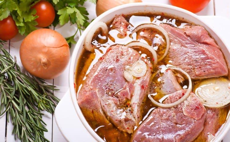 Как вкусно замариновать мясо