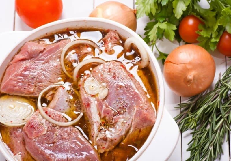 Как замариновать шашлык из свинины с луком
