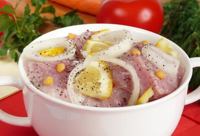 Как замариновать шашлык из свинины с лимоном